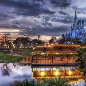 Disneyland Gece Yaşamı